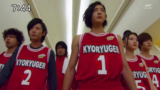 ¡Rinko y los Kyoryugers!