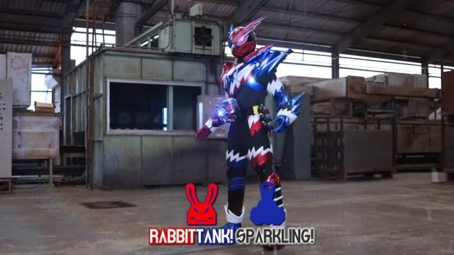 [FourzeFansub] Kamen Rider Build - 14.mp4_snapshot_19.59